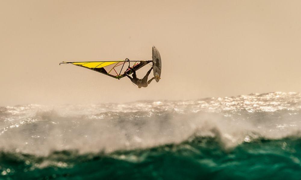 rüzgar sörfü teknikleri